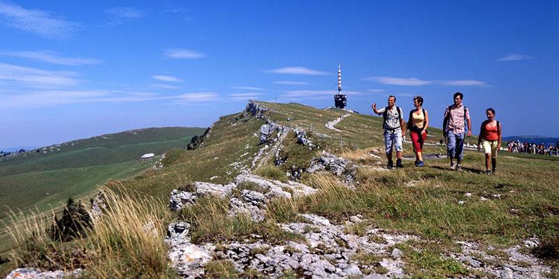 hiking at the jura ridgeway