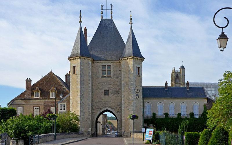Medievals Of Villeneuve-Sur-Yonne
